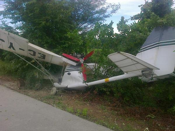 Yuma: plane makes emergency landing on highway, Swiss citizen is injured on landing.